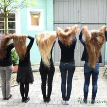 Hair throwing group picture