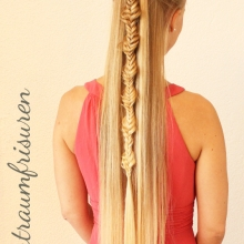 Bubbly Fishtail Half Up