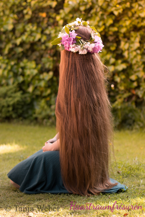 My hair with a flower crown