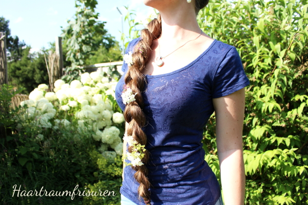 Pullthroughbraid with flowers