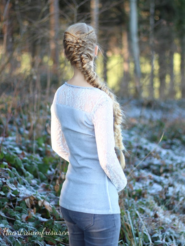 Elastic Braid with Fishtails