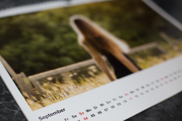 Heike von HAselnussblond als September Modell