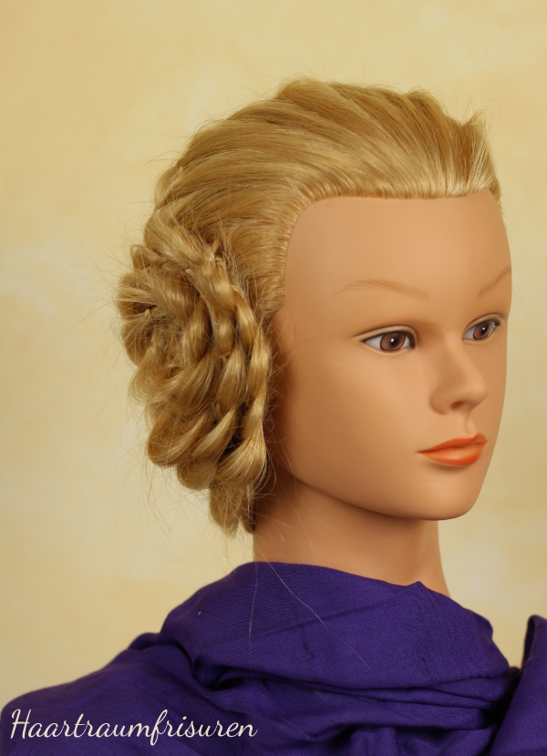 Gesicht hinter den Haaren